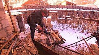 Зимние хлопоты в деревне.
