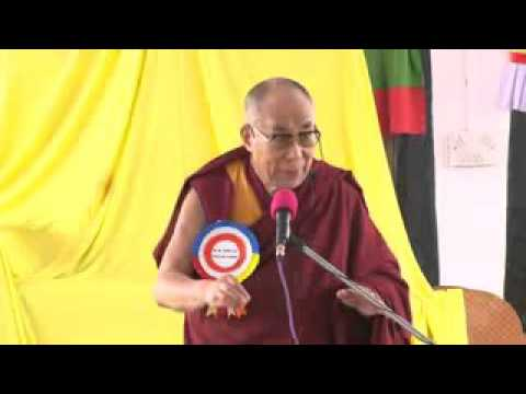 Dalai Lama want China flag not Tibet flag hahahah