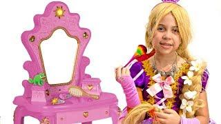 SARAH FINGE ser a RAPUNZEL e foi CONVIDADA para um FESTA DAS PRINCESAS