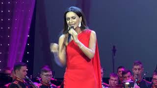 «Небо на двоих» в исполнении ЗАРЫ и оркестра Московского военно-музыкального училища
