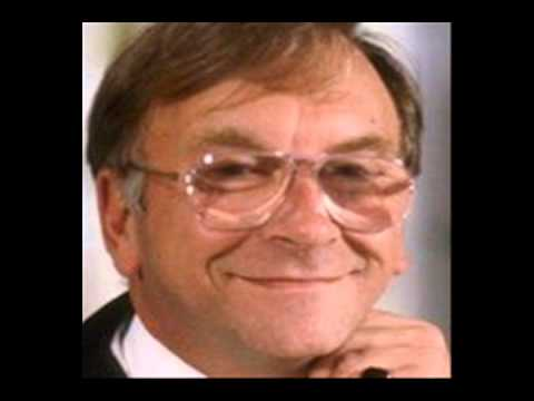 Sam Kelly died at 70