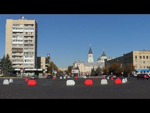 Житомир.info   Новости Житомира: До кінця тижня у Житомирі на майдані Соборному малюють нову розмітку
