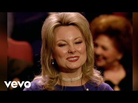 Janet Paschal - What Good Are Love Songs (If They Don't Make Us Lovers) (Live/Lyric)
