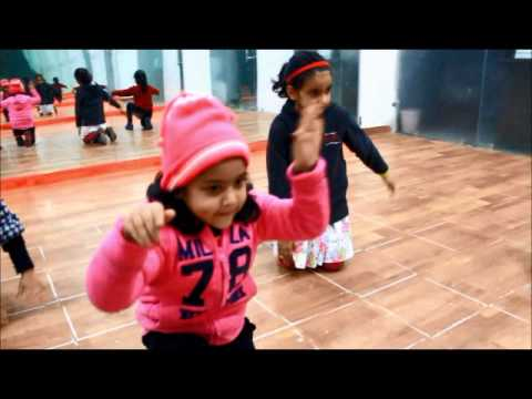 miti di khushboo kids  dance performance...