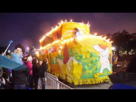 2018 BILOXI MS ANNUAL KREWE OF NEPTUNE NIGHT MARDI GRAS PARADE!