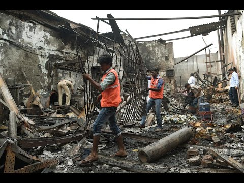 مقتل 12 شخصا جراء حريق وانهيار مبنى في بومباي  - نشر قبل 1 ساعة