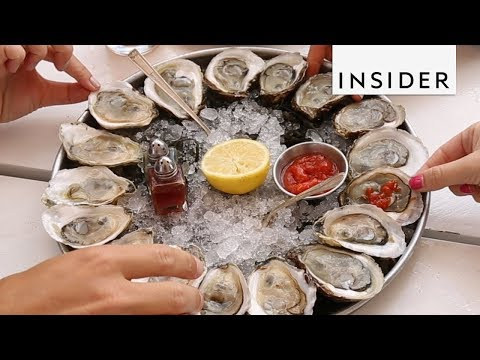 Boat in NYC Serves Up Fresh Oysters