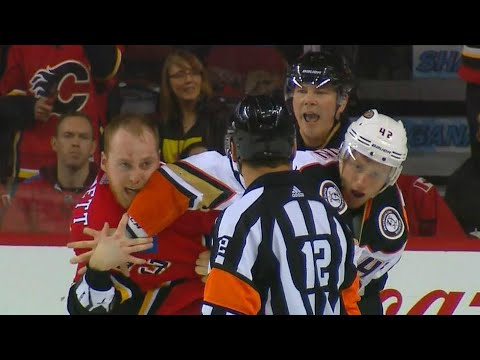 Gotta See It: Flames & Ducks duke it out after Grant takes down Mike Smith