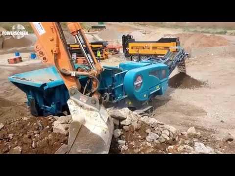 Powerscreen Premiertrak R400X в работе — дробление строительных отходов