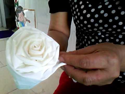 Hướng dẫn làm hoa từ giấy vệ sinh