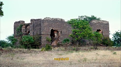 Destroyed Palace (Kalavantin Mahal) near Bhatodi Pargaon-Ahmednagar