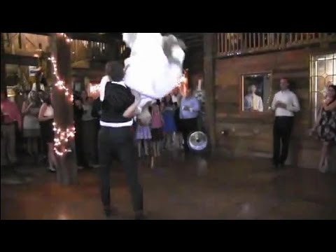 Best First Dance EVER! And best First Kiss EVER! Wedding Dance and Kiss - Country Swing