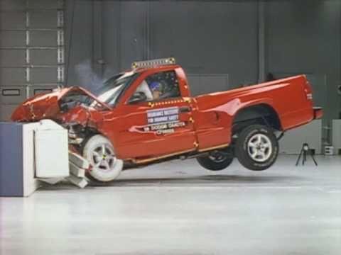 1998 Dodge Dakota Moderate Overlap Iihs Crash Test Youtube