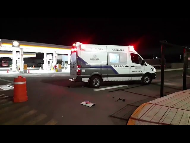 #Anoche Muere indigente arrollado en la Carretera 57. Reporte de @ramon_cubo