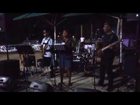 TAKE6 BAND SINGING HINDI SONG @HARDROCK FIJI WOH CHALI ...  denarau