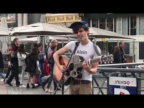 Daniel Balavoine, Mon fils Ma bataille - Busking in the streets of Lille, France