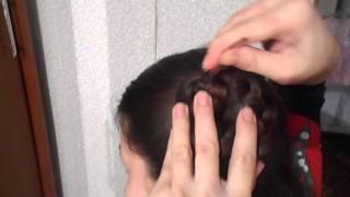 Прическа на средние и длинные волосы своими руками за 5 минут самой себе!