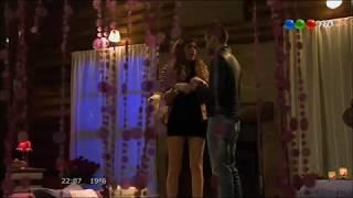 Repeat youtube video Paloma y Lucas hacen el Amor por primera vez - Los Vecinos en guerra