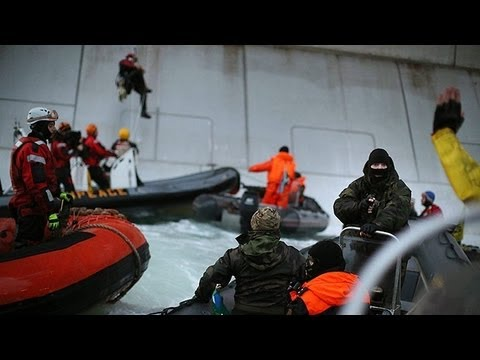 GreenPeace ship boarded by Russia, 2 Canadians arrested