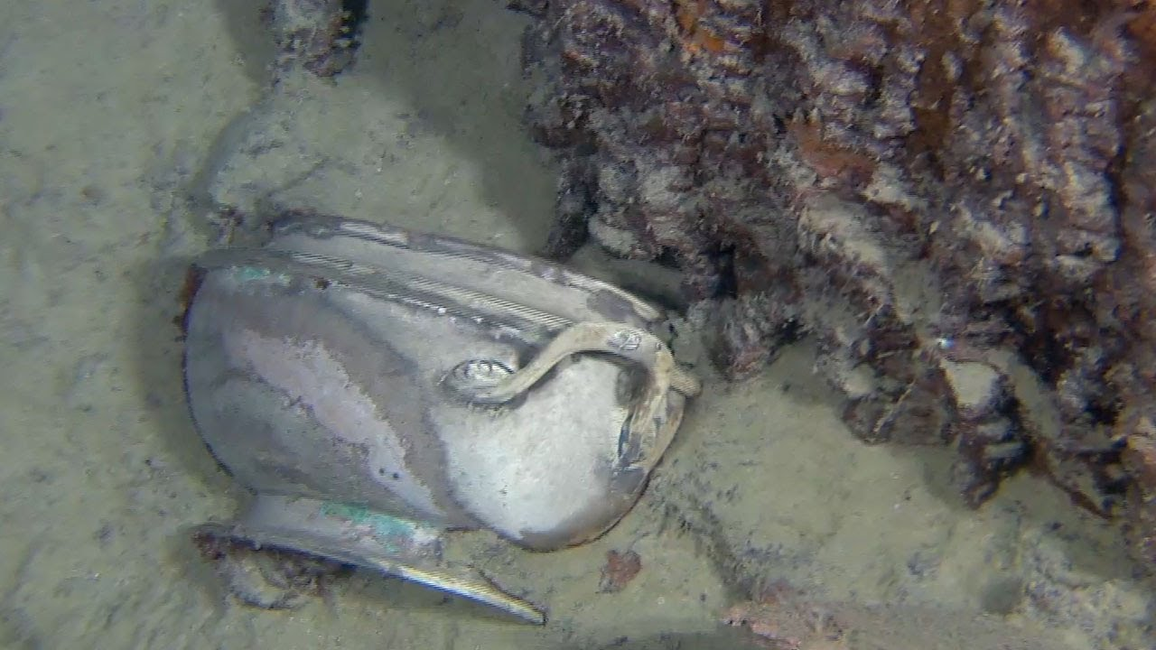 A deep-sea expedition will recover the Titanic's telegraph radio ...