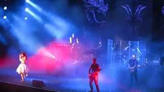 さいたまアリーナで2014年10月19日行われたロックコンサート:...