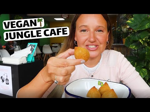 New Vegan Brazillian Cafe Opens in UK / Our First Time Trying Brazillian Food