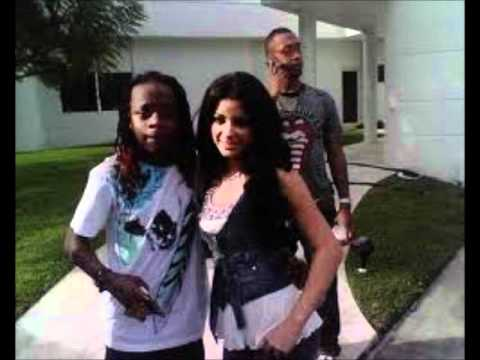 young money feat lloyd & lil wayne  -bed rock - mp3
