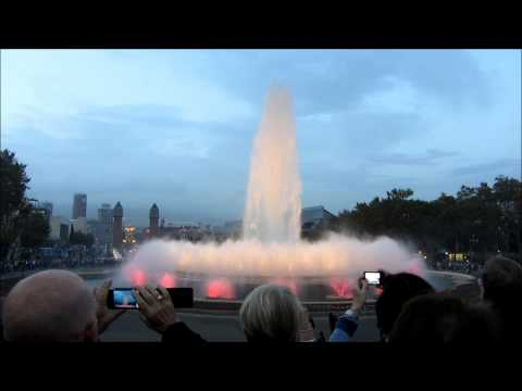 A visit at the Magic Fountains - Montjuïc, Plaza de España, Barcelona