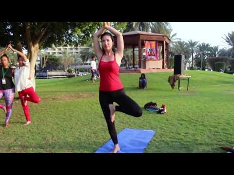 yoga-mannequin-challenge