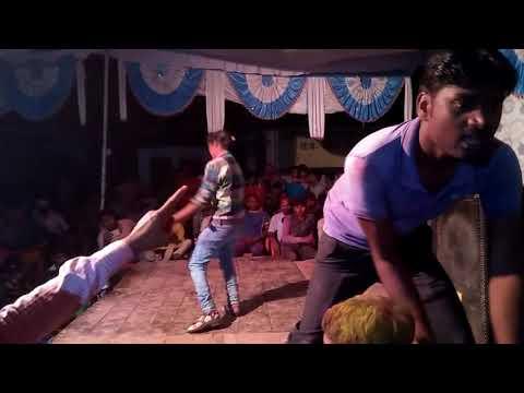 Ladki Kapda Utar  Dance