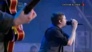 Kaiser Chiefs Perform Everyday I Love You Less Glastonbury