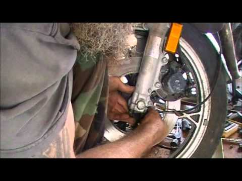 Installing Replacing Your Suzuki Speedometer Cable Youtube