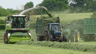 Raking & Lifting Grass with Claas Jaguar 950, John Deeres & Ford - Silage 2018