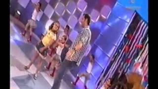 Actuación  de  Manu Tenorio en Menuda Noche TVA  (El Día De Mi Suerte)  15  5 - 2010.avi