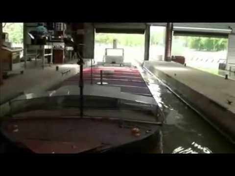 Piston Effect when entering lock at Port Revel: impressive!