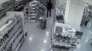 Житель города Орска подозревается в краже 29 плиток шоколада из магазина в Новотроицке