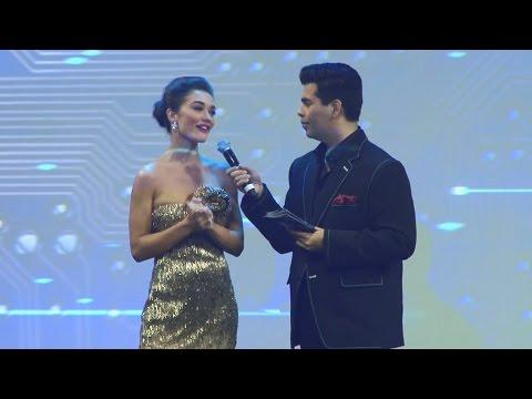 Gorgeous Amy Jackson At 2.0 First Look Launch | Rajnikanth, Akshay Kumar