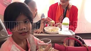 Download Video Keseruan keluarga AHMAD DHANI di ketinggian puluhan ribu kaki MP3 3GP MP4