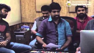 ORU INDIAN  PRANAYAKADHA   Shreya Singing a Beautiful song