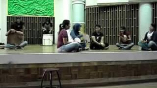 pertunjukan seni karya mahasiswa sendratasik 2005 prodi musik