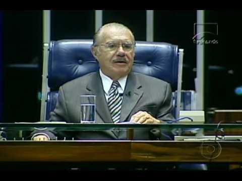 Surgem novas denúncias contra José Sarney