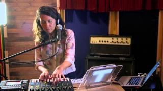 Tahel Be Quiet live version