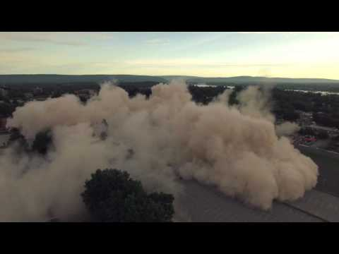 Senate Plaza implosion - Dauer: 112 Sekunden