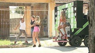 Baixar Folgados querem curtir baile funk e moradores ficam furiosos
