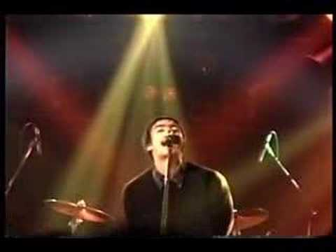 Oasis - Supersonic - Tokyo 1994 (10)