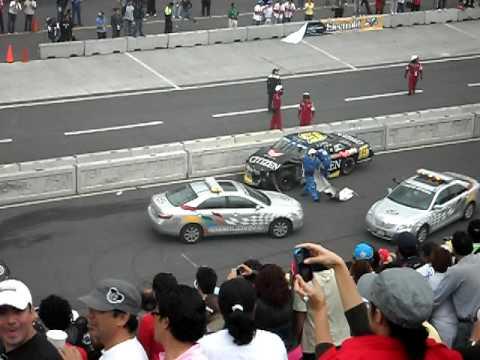Accidente en el aut dromo hermanos rodr guez youtube for Puerta 5 autodromo hermanos rodriguez