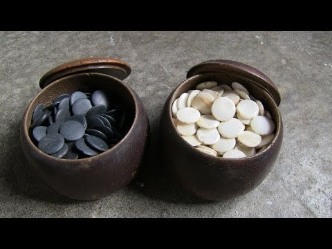 Antique go  囲碁 game pieces and wooden bowls - Japan Antique Roadshow