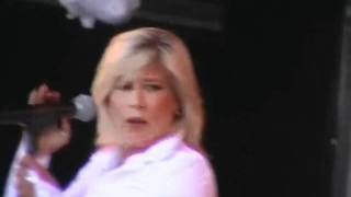 """Samantha Fox - Nothing's Gonna Stop Me Now """"Big Gay Out"""" 2004"""