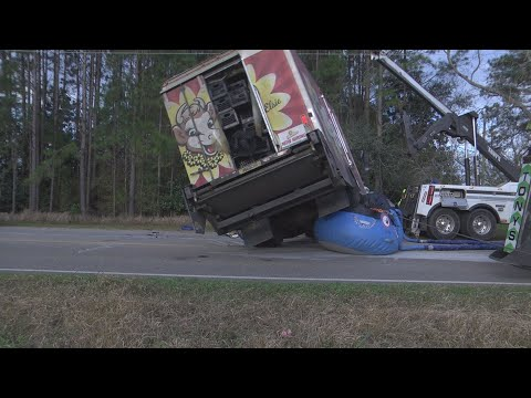 Milk truck crash cleared in front of Magnolia School