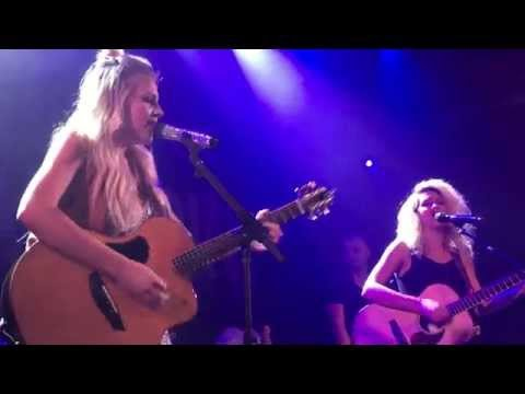 Should've Been Us [Kelsea Ballerini ft Tori Kelly Live @ The Troubadour]